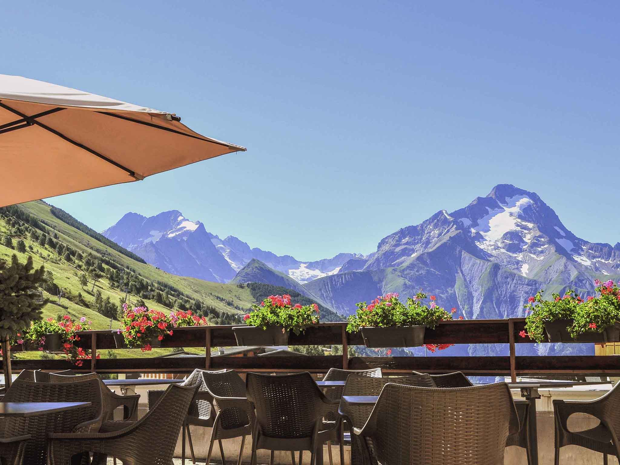 Magical nature of the alps vip experience for Hotels 2 alpes